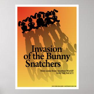 Invasión del poster de los Snatchers del conejito Póster