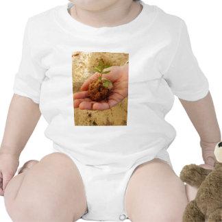 Inversión para el crecimiento traje de bebé