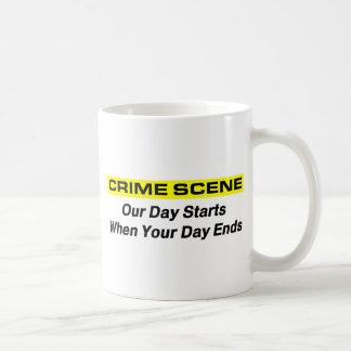 Investigador de la escena del crimen taza clásica