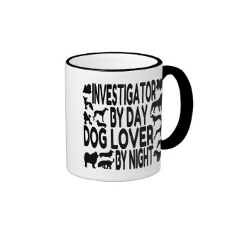 Investigador del amante del perro taza