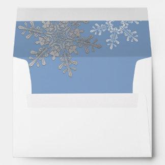 Invierno azul del copo de nieve del gris de plata sobres