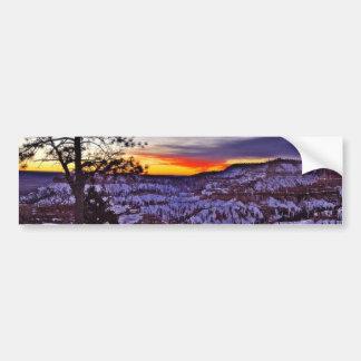 Invierno de la mañana de las salidas del sol del b pegatina de parachoque