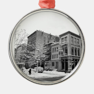 Invierno de Nueva York - ciudad en la nieve Adorno De Navidad