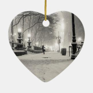 Invierno de Nueva York - noche Nevado - parque de Ornamento De Reyes Magos