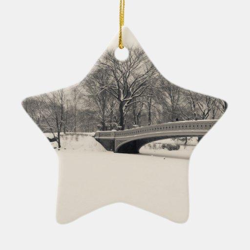 Invierno del Central Park - nieve del puente del Adorno Navideño De Cerámica En Forma De Estrella