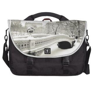 Invierno del Central Park - nieve en el puente del Bolsas De Portátil