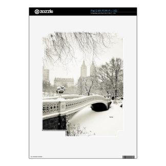 Invierno del Central Park - nieve en el puente del iPad 2 Skins