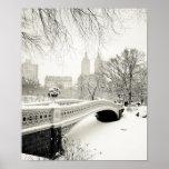 Invierno del Central Park - nieve en el puente del Impresiones