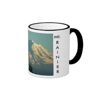 Invierno el Monte Rainier Taza De Dos Colores