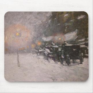 Invierno, medianoche - Childe Hassam Mousepads