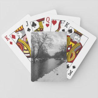 Invierno pacífico en el Grayscale de James River Barajas De Cartas