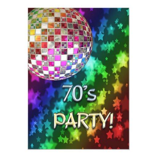 invitación 70s con la bola de discoteca y el arco
