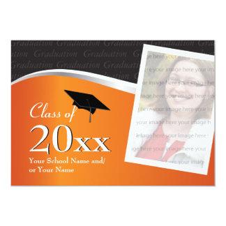 Invitación adaptable de la graduación del naranja