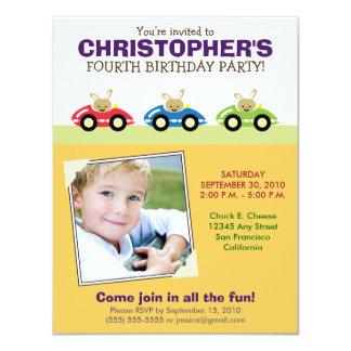 Invitación amarilla de la fiesta del cumpleaños