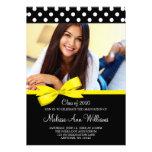 Invitación amarilla de la graduación de la foto de
