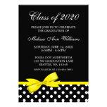 Invitación amarilla de la graduación de los lunare