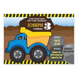 Invitación amarilla del cumpleaños del camión
