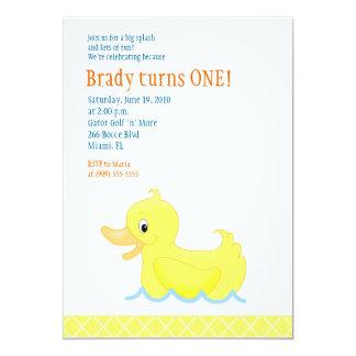 Invitación amarilla del cumpleaños del pato 5x7 -