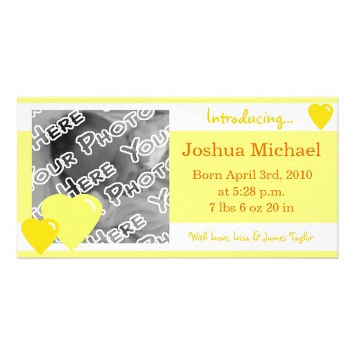 Invitación amarilla del nacimiento de los corazone tarjetas con fotos personalizadas