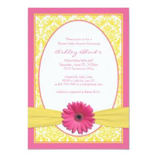 Invitación amarilla rosada de la fiesta de