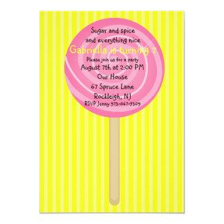 Invitación amarilla y rosada del cumpleaños de los