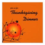Invitación anaranjada de la cena de la acción de