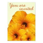 Invitación anaranjada de la flor del hibisco invitación 12,7 x 17,8 cm