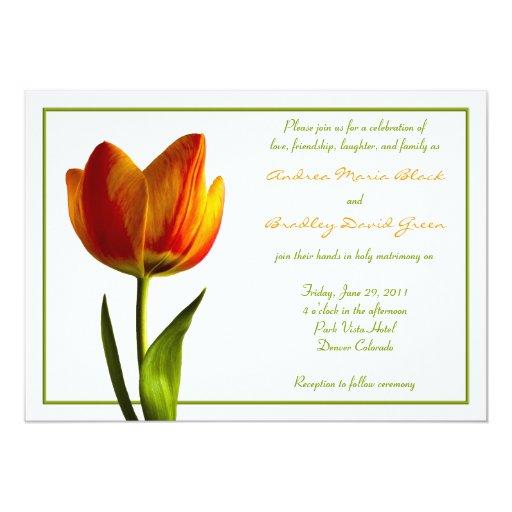 Invitación anaranjada del boda de la flor del
