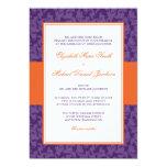 Invitación anaranjada y púrpura del boda del
