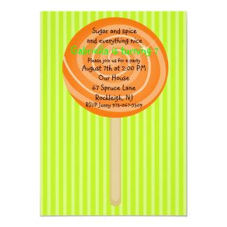 Invitación anaranjada y verde del cumpleaños de