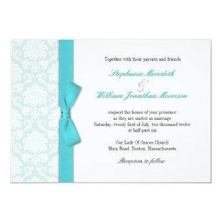 Invitación azul clara del boda del arco de la