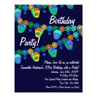 Invitación azul colorida de la fiesta de cumpleaño