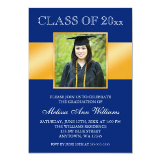 Invitación azul con clase de la graduación de la