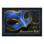 Invitación azul de Halloween de la bola de mascara