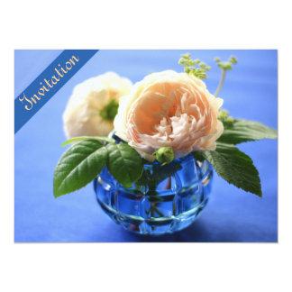 Invitación azul de la cena del ensayo del florero invitación 13,9 x 19,0 cm