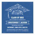 Invitación azul de la graduación de la pizarra con