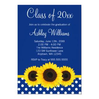 Invitación azul de la graduación de los lunares