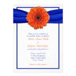 Invitación azul del boda de la margarita anaranjad
