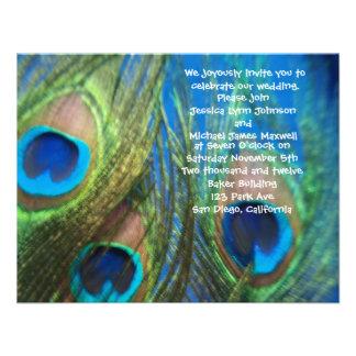 Invitación azul del boda del pavo real