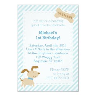 Invitación azul del perro de perrito con las rayas