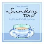 Invitación azul del té del cumpleaños de la taza d