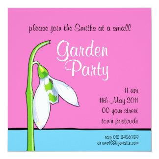 Invitación azul rosada de la fiesta de jardín de
