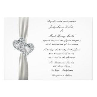 Invitación blanca del boda de los corazones