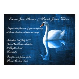Invitación blanca del boda del cisne