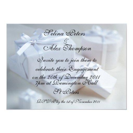 Invitación blanca del compromiso del regalo