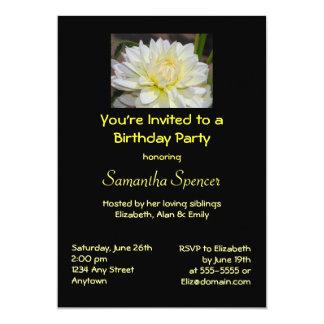 Invitación blanca divina del cumpleaños de la