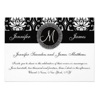 Invitación blanca negra del boda de la inicial del