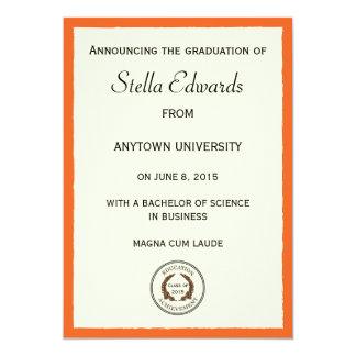 Invitación clásica anaranjada de la graduación