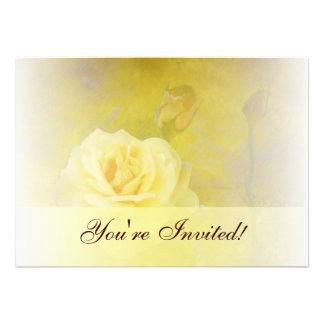 Invitación color de rosa antigua amarilla