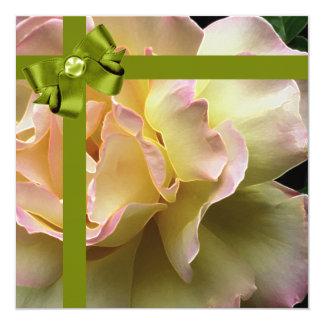 Invitación color de rosa elegante de la fiesta de